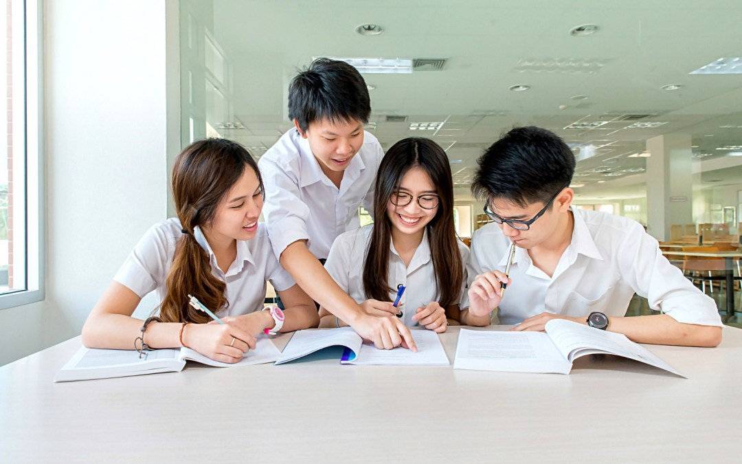 10 Pieces Of Advice All High School Students Need To Hear - E2 Talk