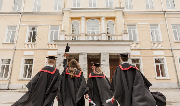 5 Key Differences Between National Universities and Liberal Arts College