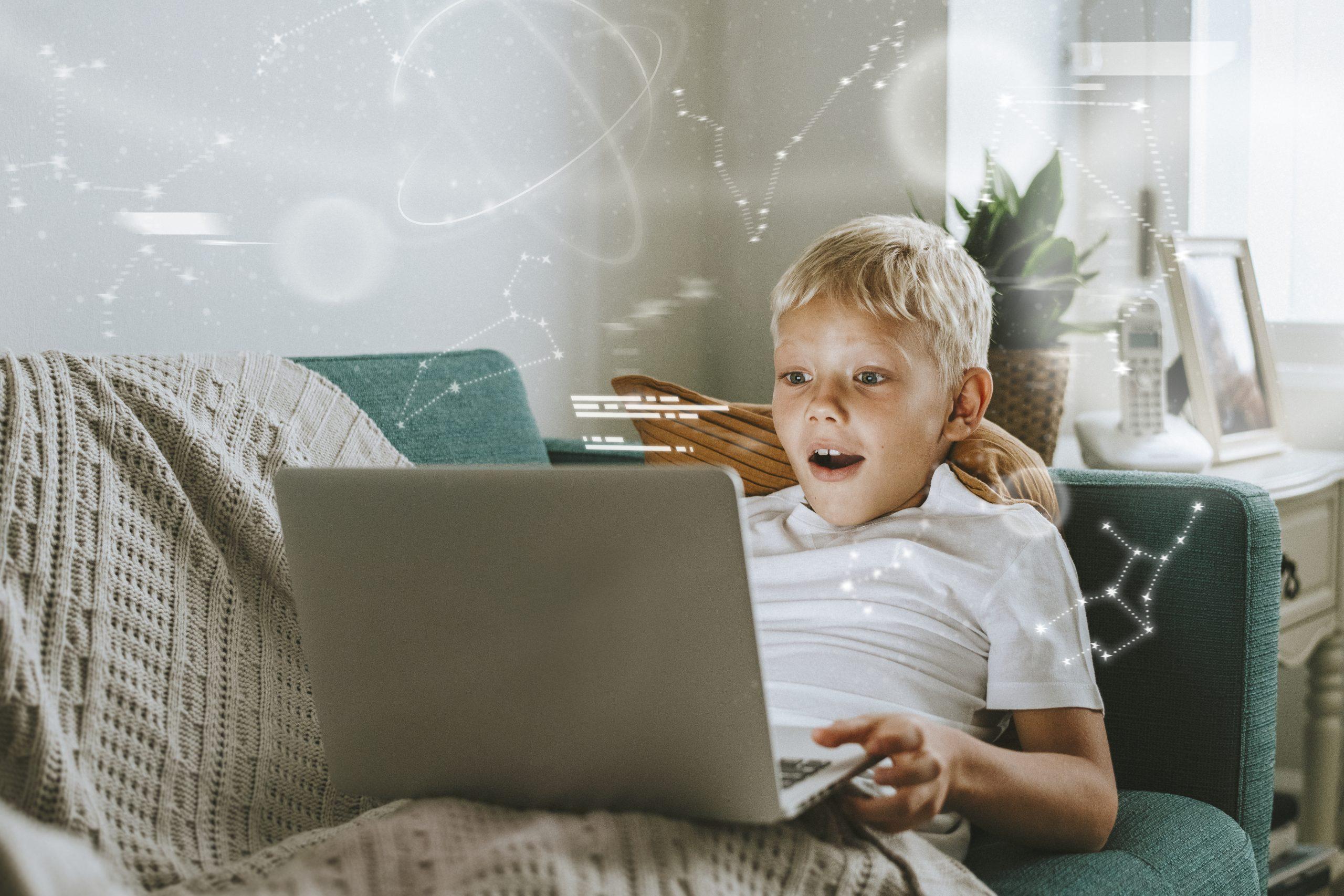 10 Trang Web Tuyệt Vời Để Con Khám Phá Khoa Học Tại Nhà